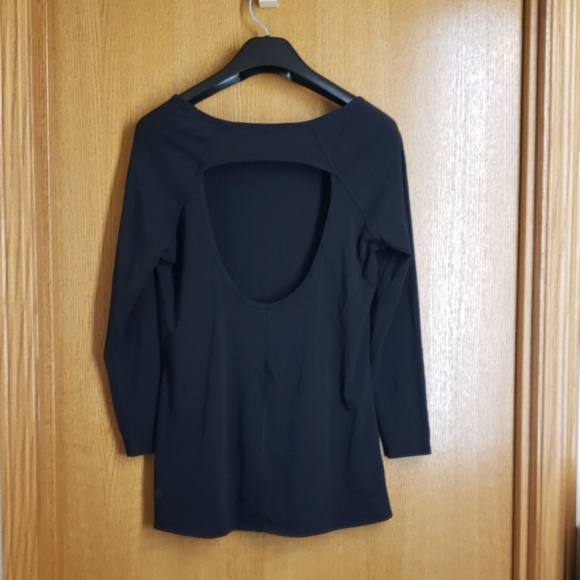 lululemon athletica Tops - Lululemon Wmn's 3/4 Sleeve Open Back Shirt Black 6